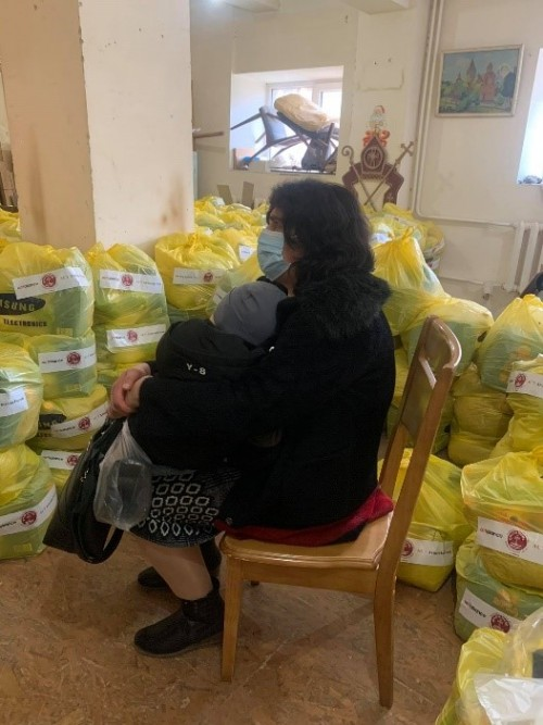 ART food packs woman from Artsakh 5